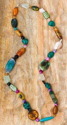 Collar de cristal de Murano, plata, piedras semipreciosas y Monje. Cierre de plata.