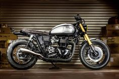 The reputation of Macco Motors is spreading: the commission for this stunning Triumph Bonneville cafe racer came all the way from Miami.