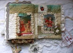 http://lafeedombre.over-blog.com/article-carnet-textile-pour-noel-112214199.html#