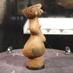 縄文のビーナス  E-P1 / LUMIX G 20mm F1.7 T  今日から御柱祭が始まりましたが、午前中は雨だったので、尖石縄文考古館に行ってみました。  国宝の土偶「縄文のビーナス」と国指定重要文化財の土偶「仮面の女神」が、大英博物館と  東京国立博物館の展示から戻って...