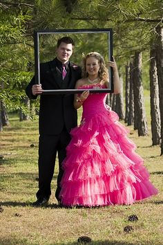 Prom: Picture Frame:  McHam Lifestyle Photography   Omg that's the dress I wore last year.
