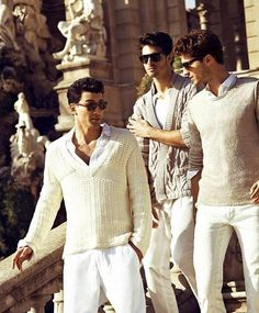 Summers in Italia; Gorgeous people, white pants and plenty of sunshine -