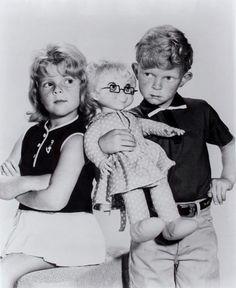 Family Affair - Buffy, Jody & Mrs. Beasley