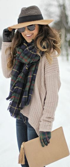 Winter Outfit - I love this winter look: oversized camel sweater, oversized plaid scarf, multi-textured hat