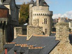 Vieux lavoir de Vannes et tour du Connétable guide touristique du Morbihan Bretagne