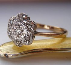 Vintage Engagement Ring. Cushion Cut & Rose Cut Diamonds. Cluster Daisy Design. 9K Gold and Platinum. Adorable.