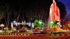 8 Tempat Yang Nggak Akan Kamu Sangka Ada di Surabaya   SUBMAGZ Surabaya, Neon Signs, Table Decorations, Dinner Table Decorations, Center Pieces