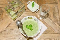 Brokkoli og grønnkålsuppe med fetakrem Lchf, Broccoli, Frisk, Ethnic Recipes, Soups, Food, Essen, Soup, Yemek