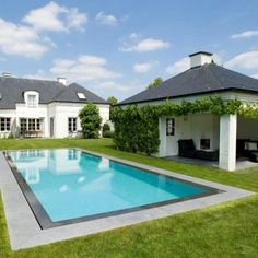 There are many suggested swimming pool styles for you ranging from basic, modern. Swimming Pool Enclosures, Swimming Pool Tiles, Swiming Pool, Swimming Pool Designs, Pool Fashion, Best Swimming, Small Cottages, Dream Pools, Tropical Landscaping