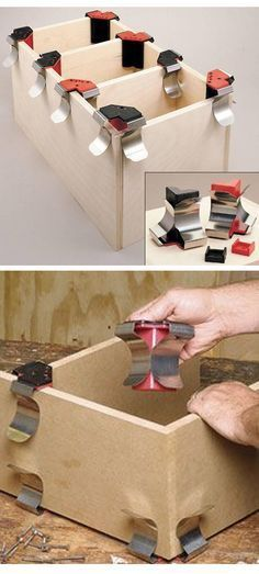 Easy Woodworking Projects Jet Jointer Clamp: a small, easy-to-use clamp that's perfect for temporarily butting together a pair of boards and holding them in place at a right angle until clamps or screws can be added. Cool Woodworking Projects, Learn Woodworking, Woodworking Plans, Wood Projects, Woodworking Chisels, Workbench Plans, Welding Projects, Carpentry Tools, Homemade Tools