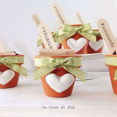 ... Le Cose di Eva: Bomboniere ecosostenibili - Vasetti con bulbi Bomboniere Ideas, Mini Vasos, Butterfly Birthday Party, Origami Wedding, Mothers Day Crafts, Baby Party, Easter Crafts, Cute Gifts, Baby Knitting