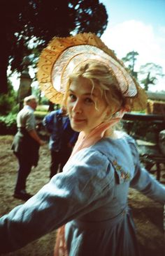 Rosamund Pike as Jane Bennet in Pride and Prejudice (2005). Description from pinterest.com. I searched for this on bing.com/images
