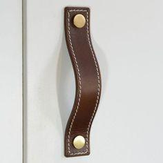 Straight Door Pulls – Hidesmith
