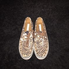 NWT sequin leopard Sperry Top-Sider 😍 never worn and super cute! Sperry Top-Sider Shoes Flats & Loafers