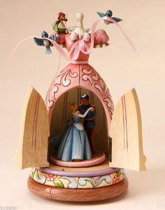 Cinderella dress musical figure (Jim Shore) from our Jim Shore Disney Traditions collection Disney Music Box, Art Disney, Disney Rooms, Disney Love, Disney Magic, Disney Stuff, Cinderella Dress Disney, Disney Princess, Figurine Disney