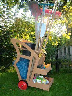 Wózek ogrodowy - niezbędna pomoc w pracy. http://domomator.pl/wozek-ogrodowy-niezbedna-pomoc-pracy/