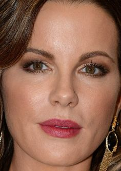Close-up of Kate Beckinsale at the 2015 Met Ball.