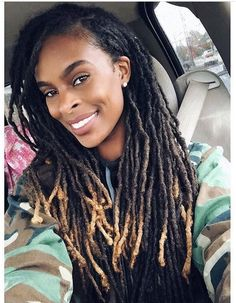 Blonde tip dreads, so pretty. Dreadlock Hairstyles, Twist Hairstyles, Black Women Hairstyles, Cool Hairstyles, Wedding Hairstyles, Dreads Black Women, Beautiful Dreadlocks, Pretty Dreads, Hair