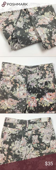 """[UO] BDG Floral Mom Jeans Hi-Rise 27 Vintage 80s Vintage style mom jeans by BDG from Urban Outfitters. High Rise. Button and zip fly. Skinny/straight leg. 27W x 28L. Washed flora pattern.  🔹Waist: 15"""" 🔹Inseam: 28"""" 🔹Front Rise: 11"""" 🔹Back Rise: 14.5"""" 🔹Fabric: 100% Cotton  🔹Condition: EUC. No flaws.  *Measurements taken lying flat. No Trades! Urban Outfitters Jeans Skinny"""