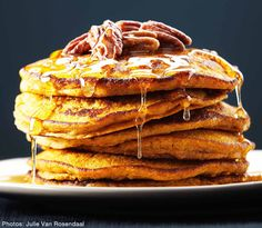Yep. These are Quinoa Pumpkin Pancakes friends...and they are a GOOD!