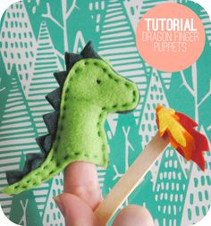 Vicki from Vicki Brown Designs shares a free pattern for making these cute felt dragon finger puppets. She made a whole stack of them to give as party favors at a Knights and Princesses themed part… Felt Puppets, Felt Finger Puppets, Felt Diy, Felt Crafts, Felt Dragon, Dragon Puppet, Puppet Tutorial, Finger Puppet Patterns, Puppet Show