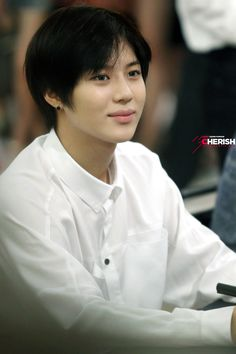 SHINee Taemin - Times Square Atrium Hottracks, Yongdeungpo, MoU Fansign 130822 http://hanaco.ivyro.net/bbs/zboard.php?id=in=1==1=off=on=on_arrange=headnum=asc=126