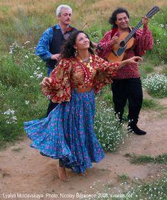 * Romani Gypsy dance in photos. Gypsy dance by Nelly Maltseva *