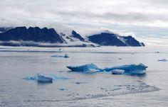 Michel Rocard, ambassadeur en charge des zones polaires,a présenté, le 13 juin, la feuille de route de la France pour l'Arctique. Ce document est le fruit d'un travail engagé en 2013 par le ministère des Affaires Etrangères. Il vise à« réaffirmerle haut niveau d'engagement de notre pays pour l'Arctique, sur les plans scientifique, environnemental, économique et stratégique.