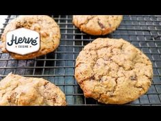 Recette des cookies chocolat aux pois chiches - HerveCuisine.com Biscuit Cupcakes, Cookies Et Biscuits, Macaron, Dairy Free, Gluten, Diet, Vegan, Healthy, Recipes