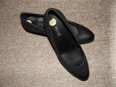 ECCO ladies Court Shoes REAL LEATHER SIZE UK5 EU38 NWOB RRP£85 now £25.99