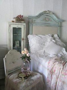 Shabby bedroom!