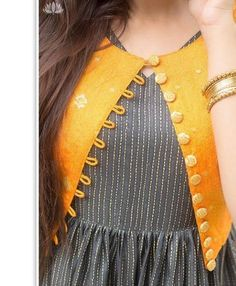 Latest Kurti With Jackets Design - The handmade craft Simple Kurti Designs, New Kurti Designs, Salwar Designs, Kurta Designs Women, Kurti Designs Party Wear, Sleeves Designs For Dresses, Dress Neck Designs, Stylish Dress Designs, Kurti With Jacket
