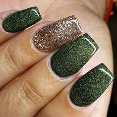 Instagram media fiercebypatricia - SC @Iamqueen.fierce Olive green with a rose gold glitter nail  So beautiful! #FiercebyPatricia