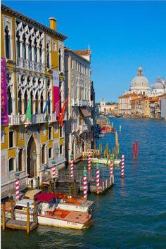 ✯Entrance to  Venice , Italy
