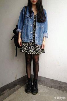 Una de estas grandes prendas es la chaqueta de jeans de tono claro y varias tallas muy grande que aparenta ser de algún novio de estilo grunge. - See more at: http://pilchasypintas.com/chaquetas-denim-estilo-90-2/#sthash.Yx1JUT0s.dpuf