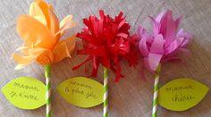 Du papier de soie de toutes les couleurs, et hop ! Voilà un beau bouquet pour maman !