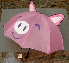 I would have loved to have had this umbrella at college! This Little Piggy, Little Pigs, Tout Rose, Pig Pen, Pugs, Teacup Pigs, Piggly Wiggly, Mini Pigs, Cute Piggies
