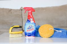 Here's how I got the deepest stains out of my couch. We've had our microfiber couches for about years now. The cushions have removable covers and are much… Clean Fabric Couch, Clean Couch, Clean Upholstery, Cleaning Recipes, House Cleaning Tips, Cleaning Hacks, Cleaning Microfiber Sofa, Couch Cleaning, Best Cleaner
