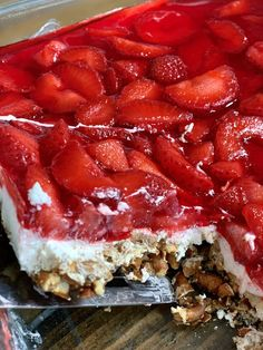 A Lightened Up Strawberry Pretzel Cheesecake Dessert- only 5 WW Smart Points Ww Desserts, Cheesecake Desserts, Healthy Desserts, Dessert Recipes, Alcoholic Desserts, Diabetic Cheesecake, Asian Desserts, Healthy Foods, Healthy Recipes