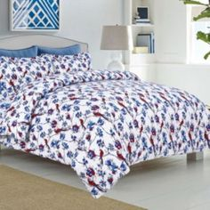 Make your bedroom feel like a tropical retreat with the Tribeca Living Bird Park 170 GSM Printed Flannel Duvet Cover Set. The vibrant bedding features a multicolored exotic bird and floral print on a crisp white ground. Duvet Sets, Duvet Cover Sets, Pottery Barn, Flannel Duvet Cover, Ikea, Shabby, Luxury Duvet Covers, King Size Pillow Shams, Queen Duvet