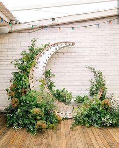 New Garden Wedding Ceremony Backdrop Flower Wall 30 Ideas - Wedding Garden Cozy Wedding, Wedding Ceremony Backdrop, Star Wedding, Garden Wedding, Summer Wedding, Dream Wedding, Rustic Wedding, Wedding Ideas, Wedding Aisles