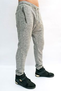 Shrink your URLs and get paid! Joggers Outfit, Mens Sweatpants, Best Mens Fashion, Mens Activewear, Men Street, Sport Pants, Jogger Pants, Jogging, Casual Outfits