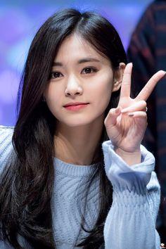 It's Tzusday my dudes (Tzuyu) – K-Pop Babe Pics Kpop Girl Groups, Korean Girl Groups, Kpop Girls, Nayeon, Korean Beauty, Asian Beauty, Chou Tzu Yu, Jihyo Twice, Chaeyoung Twice