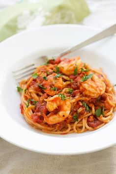 Shrimp Spaghetti - the easiest and most delicious shrimp spaghetti that even the pickiest eater likes, quick, easy and takes 20 mins.