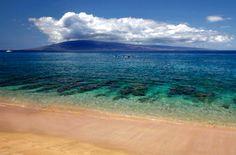 Kahekili Beach, Maui, Hawaii. www.aloha-hawaiian.com  #hawaiigrouptravel #hawaii #mauivacations #mauihoneymoons