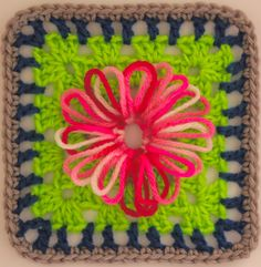 Loopy Daisies, free pattern by Sarah London
