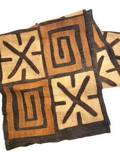 High quality textile Cuba fabric at a special price African Quilts, African Textiles, African Fabric, Bauhaus Textiles, African Artwork, Engraving Art, Batik Art, African Home Decor, Africa Art