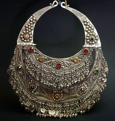 Afghanistan ~ Old Kuchi silver, filigree and glass torque necklace ~ ca. mid to late century Ancient Jewelry, Antique Jewelry, Silver Jewelry, Jewelry Necklaces, Silver Ring, Silver Filigree, 925 Silver, Silver Earrings, Sterling Silver