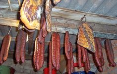 domace kobasice Croatian Recipes, Hungarian Recipes, My Recipes, Cooking Recipes, Bratwurst Recipes, How To Make Sausage, Lunch Meal Prep, Smoking Meat, Prosciutto