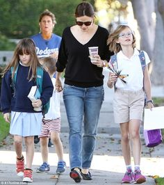 Jennifer Garner dons sweater for stroll with her her three children Family Fun Day, Working Mother, Jennifer Garner, Three Kids, Great Friends, Children, Easy, Sweaters, Style